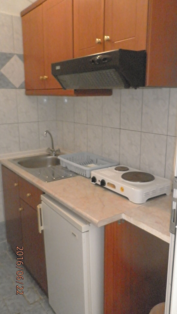 Private Kitchenette, Studio Plaza