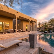 Secluded Palatial Desert W/ Infinity Pool 5 Bedroom Home