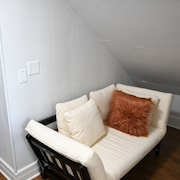 Newly Decorated Upper Montclair Apt - 35 Mins to NYC