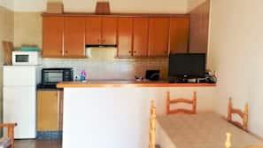 Fridge, microwave, highchair, cookware/dishes/utensils
