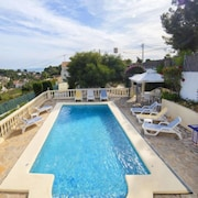 Casas de Torrat Holiday Home, Sleeps 6 With Pool, Air Con and Free Wifi