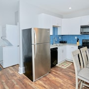 BEAUTIFUL Renovated Condo 15 MINS From Downtown CENTER CITY