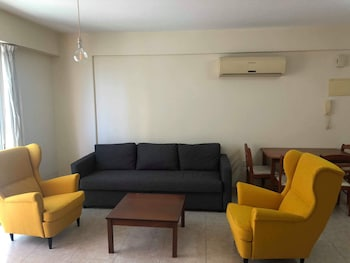 1 Bedroom Apartment near the Beach