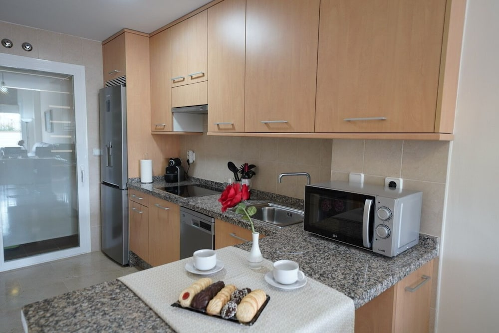 Private Kitchen, Beachfront Apartment, With Pool and Urban Areas. Zarati