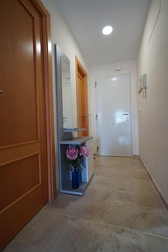 Room, Beachfront Apartment, With Pool and Urban Areas. Zarati