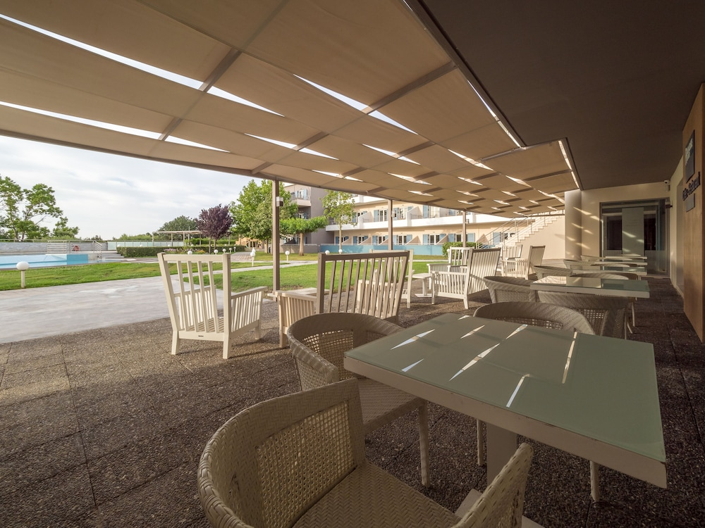 Terrace/Patio, Paradise Resort