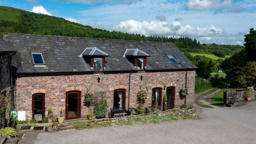 Ty Carno - Two Bedroom House, Sleeps 4