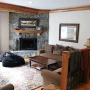Minutes From Vail Village- Luxury Condo Great for Multiple Families
