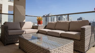Modern&Stylish 3BR Apt. With Balcony