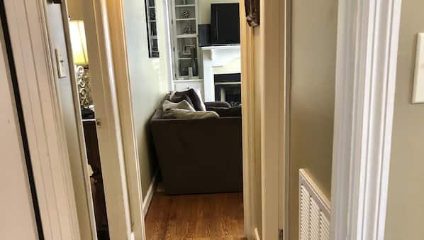 2 間臥室、熨斗/熨衫板、Wi-Fi、床單