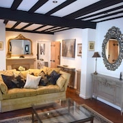 Luxury Central Eton Cottage, 5 Minute Walk From Windsor Castle. Free Parking