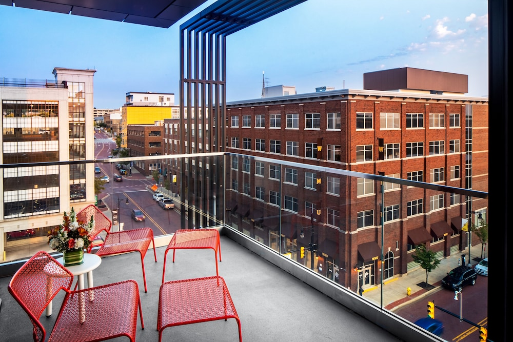 Rooftop terrace, Canopy by Hilton Grand Rapids Downtown