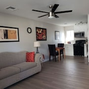 Newly remodeled*walk to ASU and downtown Tempe*covered parking