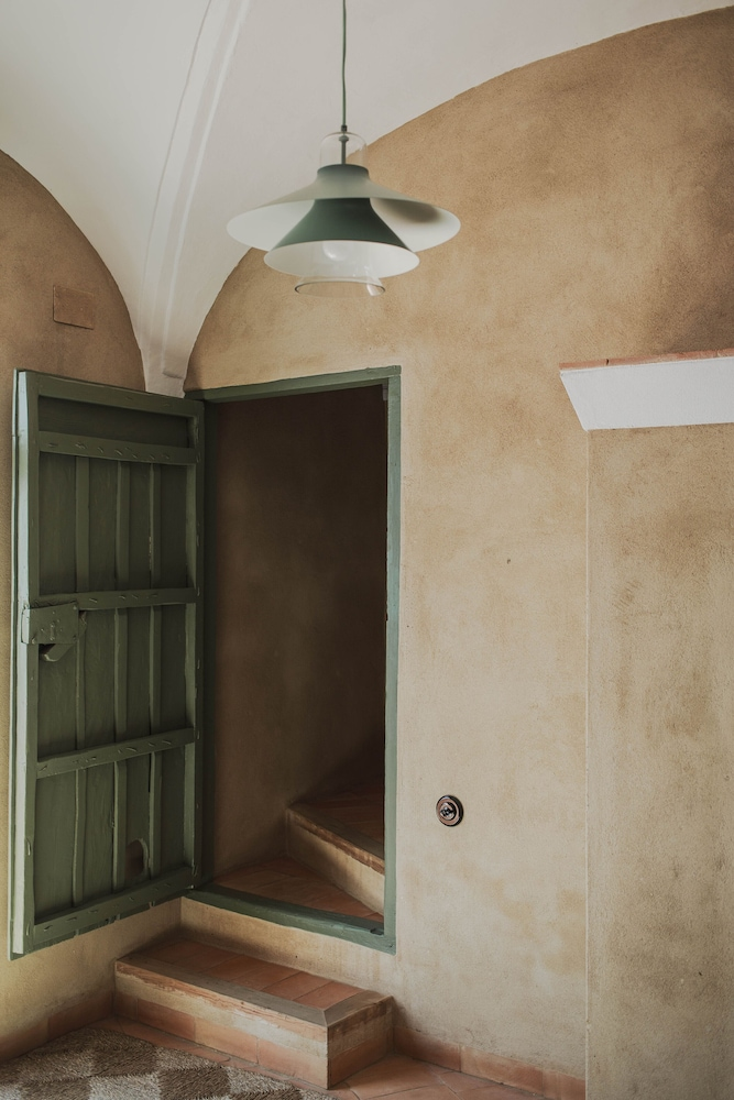 Room, An 18th Century Villa With Renovated Spirit