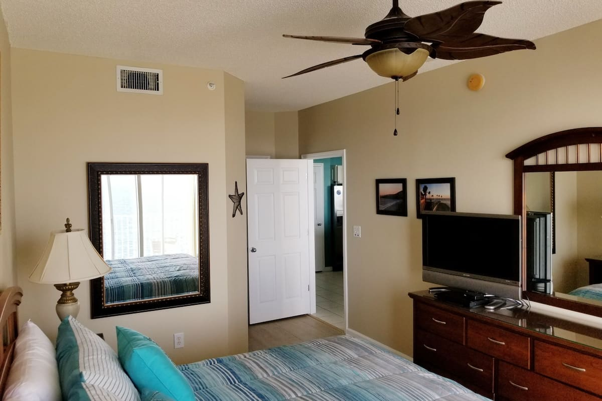 Winter Special Deluxe Heated Pool Wifi Ocean Front Condo Majestic Sun 2021 Room Prices Deals Reviews Expedia Com