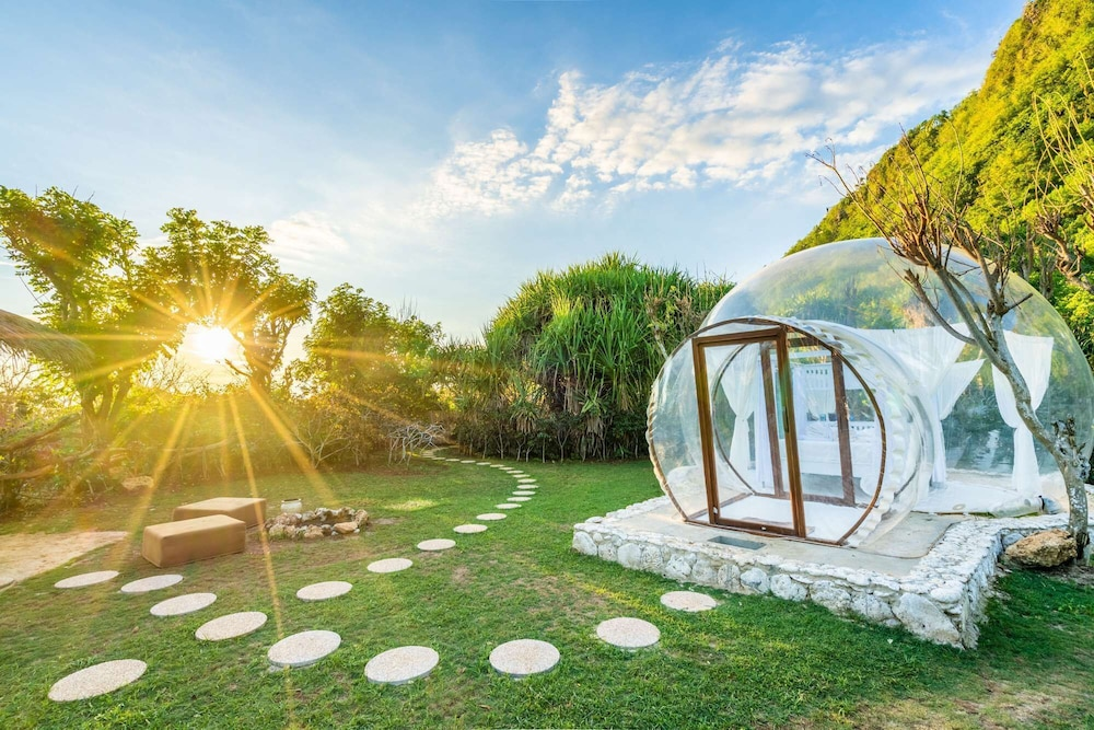 Property Grounds, Romantic Dome with the Ocean View