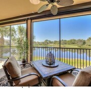 Gorgeous 3 Bedroom+den and 3 Bath Condo in Beautiful Gated Community
