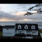 Oceanfront House, Sunset Views, Private Beach Access, New Finishes, State Parks