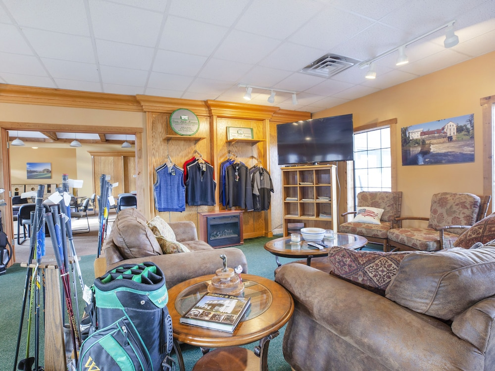 Pro Shop, OYO Hotel Falls of Rough KY Route 110