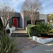 Luxurious & Modern 3 Bed/2.5 Bathroom House With Gorgeous Views of the SF Bay