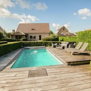 Classy Holiday Home in Aartrijke With Private Swimming Pool