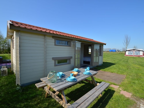 Cosy Chalet at Small-scale Campsite Near Biesbosch Area