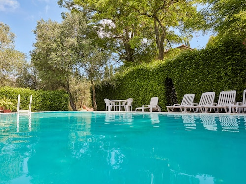 Classy Holiday Home in Ghizzano Peccioli With Swimming Pool