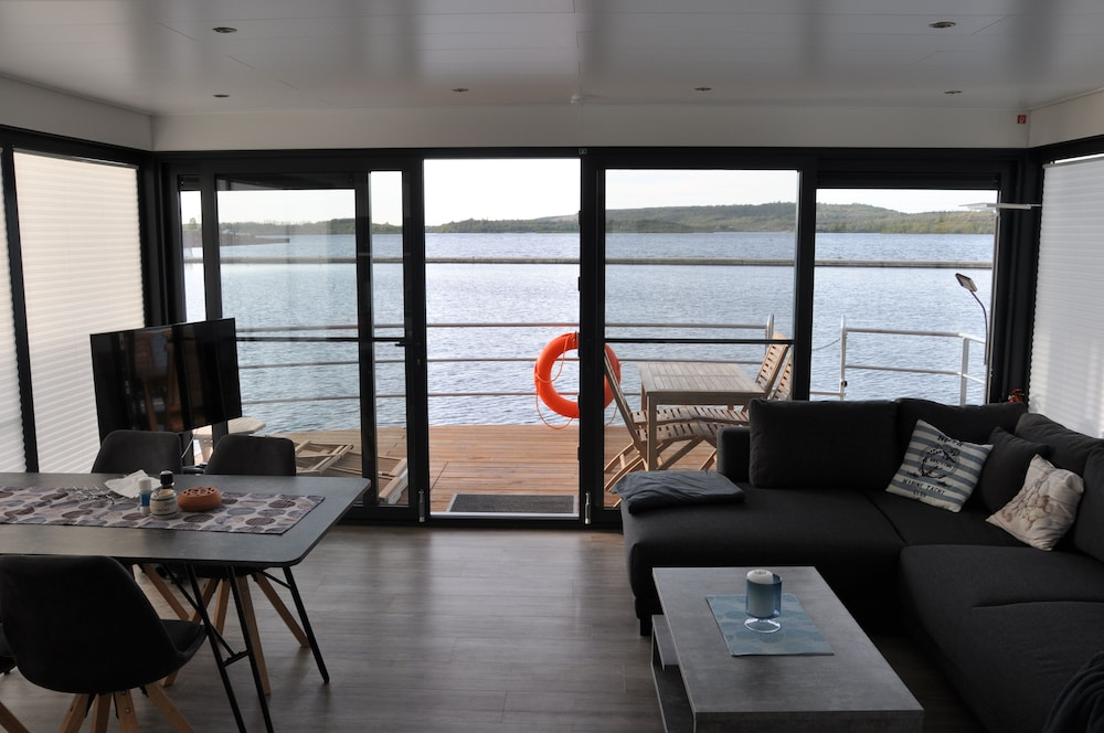 Living Room, Houseboat Nessi! Vacation on the Geiseltalsee!