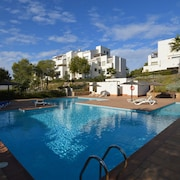 Beautiful Luxury Apartment in Las Colinas Golf & Country Club, Shared Pool