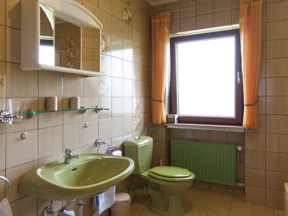 Bathroom, Comfortable Apartment With a Beautiful View in Morscheid
