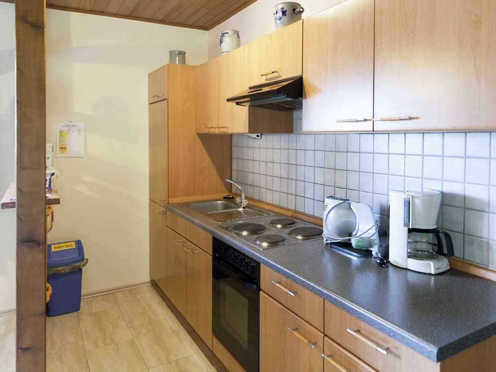 Private Kitchen, Comfortable Apartment With a Beautiful View in Morscheid
