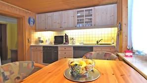 Kühlschrank, Mikrowelle, Ofen, Geschirrspüler