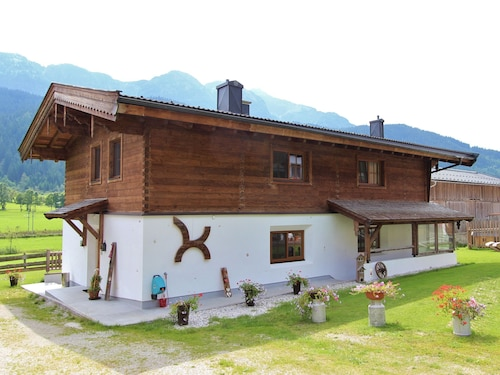 Comfortable Cottage Near Ski Area in Leogang
