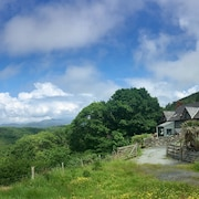 Pine Cottage - Exceptional Location In Snowdonia National Park Near Beaches