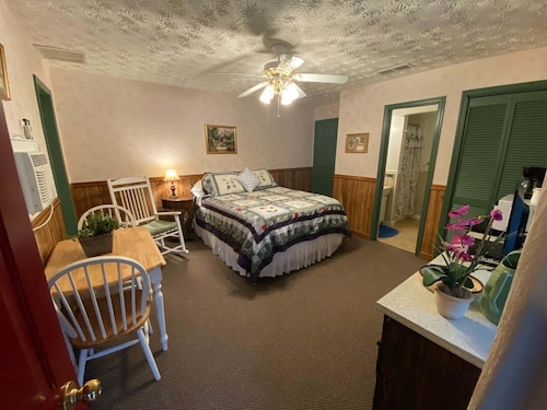 #6 - Quaint Suite - Waterfall Access - Near Tallulah Gorge