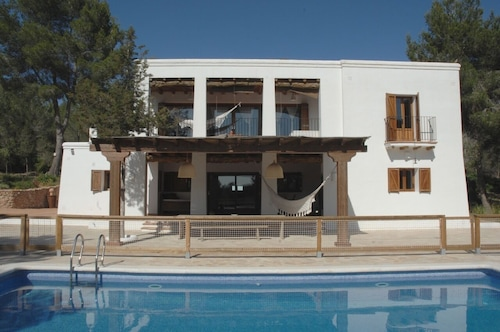 Beautiful Ibicencan House With Swimming Pool in Santa Gertrudis