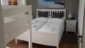 2 quartos, acesso à internet, roupa de cama