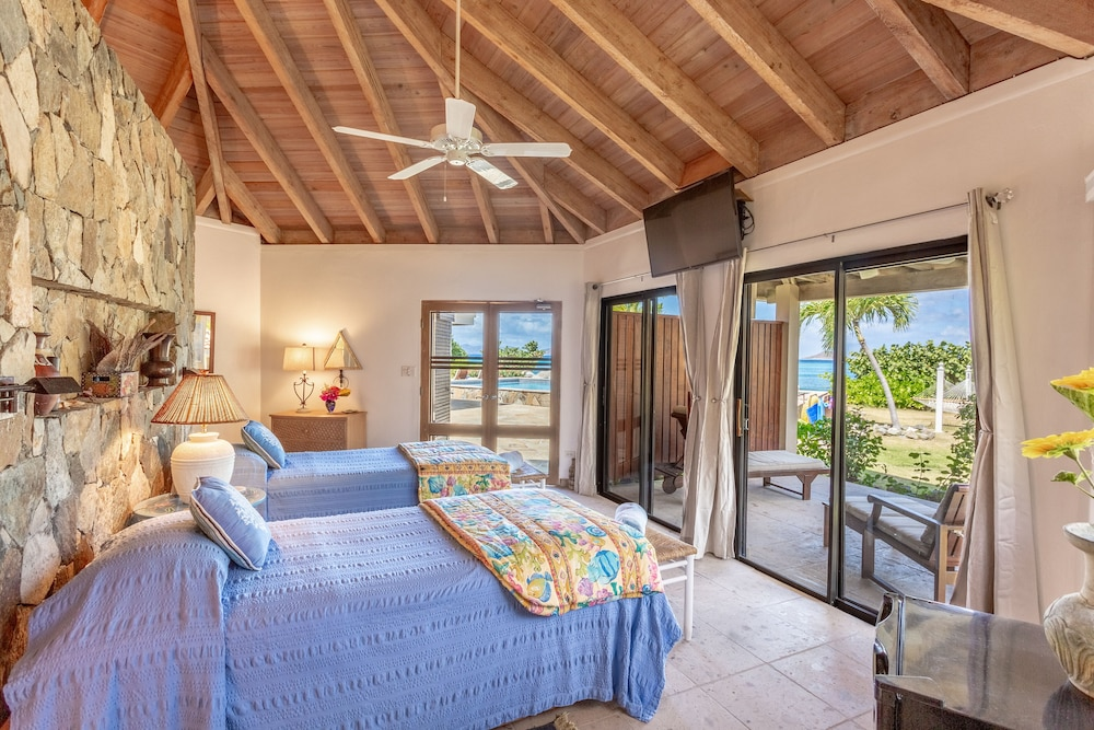 Room, Sea Fans - 4 BR Beachfront Villa on Spectacular Mahoe Bay