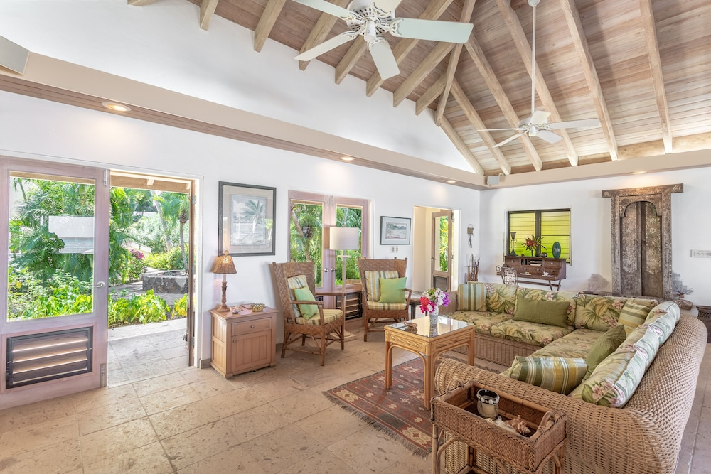 Living Room, Sea Fans - 4 BR Beachfront Villa on Spectacular Mahoe Bay