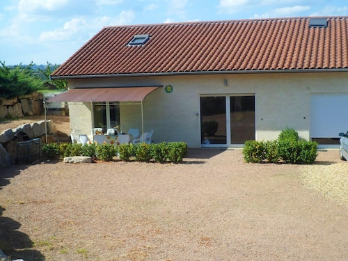 House With 5 Bedrooms in Courzieu, With Furnished Garden and Wifi
