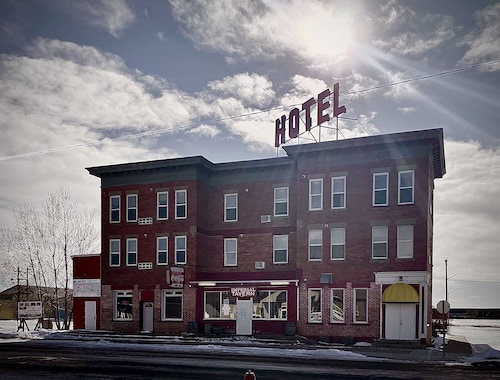 Imperial Hunter Hotel