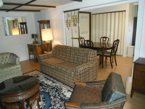 Quiet Upscale Deer Lake Area - Furnished Suite