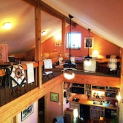 Lodge in Woods, Sleeps 9, off I-20, East of Dfw, Outside Tyler
