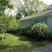 Dennis Village Cottage With Private Association Beach Access!