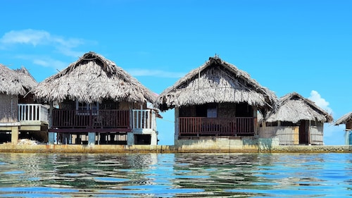San Blas Private Oceanfront Cabin