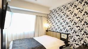 办公桌、遮光窗帘、免费 WiFi、床单