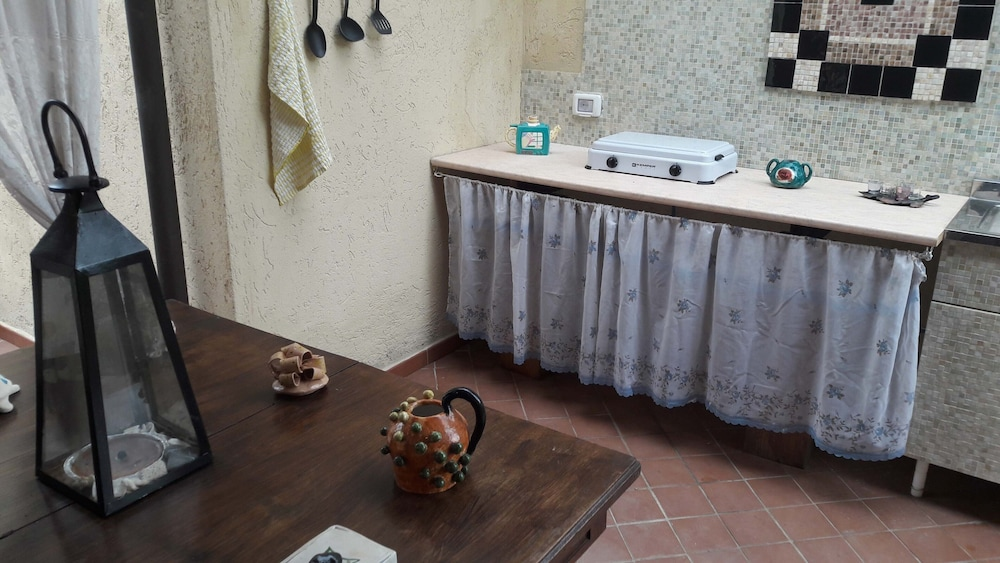 Private Kitchenette, La Sorgente