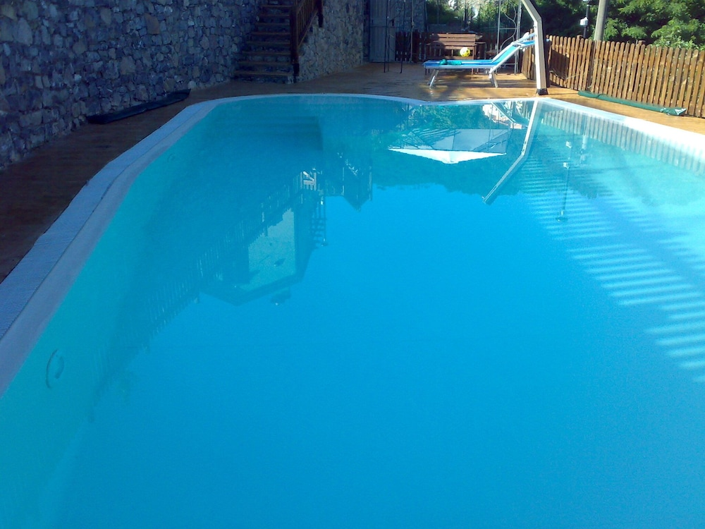 Outdoor Pool, La Sorgente