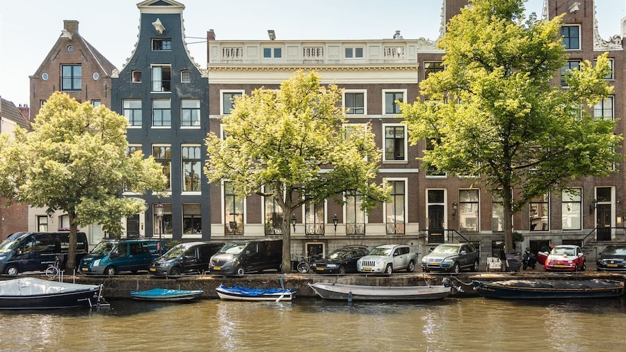 Canal Apartment 17th Century + Roof Terrace