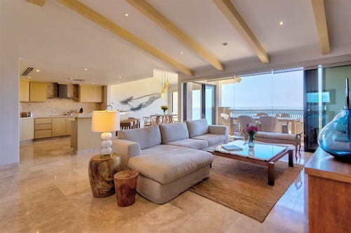 Casa de los Vientos - 3 Bdrm Penthouse With Breathtaking Ocean Views!